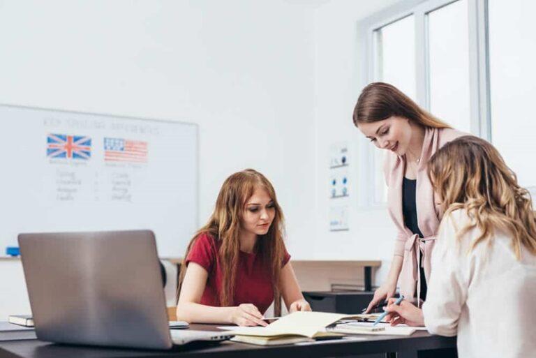 fatos sobre a educação bilingue