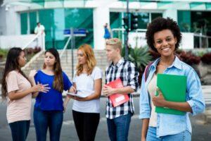 Conheça os principais desafios da educação bilíngue no Brasil